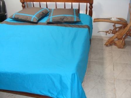 jetes de lit page 4. Black Bedroom Furniture Sets. Home Design Ideas
